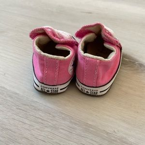 Infant Girls pink converse